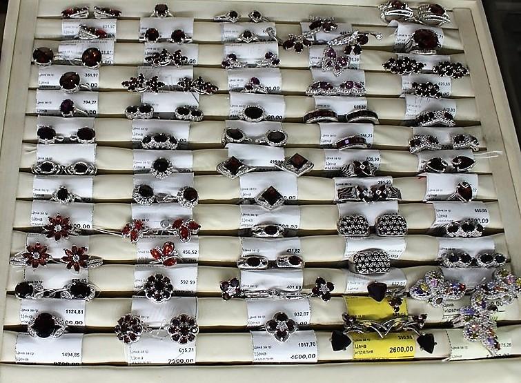 """Фото из торгового зала ювелирного салона """"Престиж-Ювелир"""" в Серпухове серебро"""
