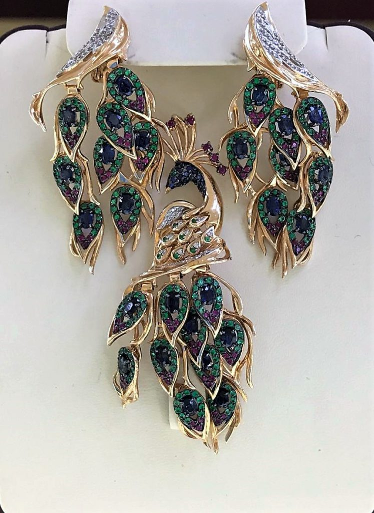 Комплект ювелирных украшений в форме павлина